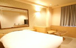 305-resort-150x80@2x